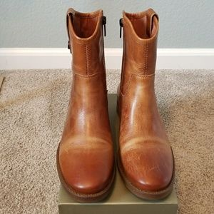 Vince Camuto Leather Bootie Women Size 7M